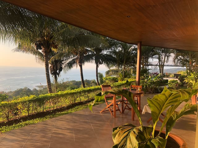 Casa Arriba-Epic ocean views(Main house only)