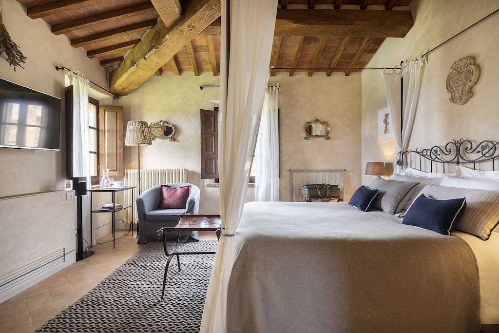 Bona Dea Farmhouse Tuscany - Double Room on Upper Floor