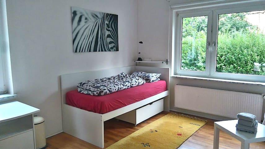 Gemütliches Zimmer in Bonn Dottendorf