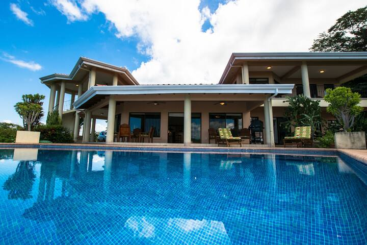 Villa Quetzal -Two Floors of Open Air Terraces - Playa Hermosa