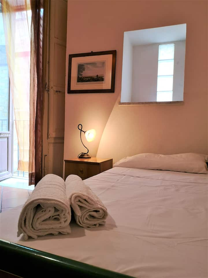 cozy single room in Palermo city centre