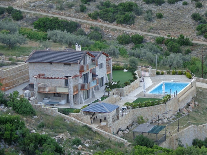 STONE BUILT VILLA WITH PANORAMIC SEA VIEW