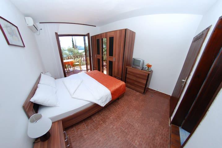 Double room at Elena Guest House - Pržno - Villa