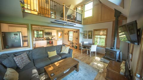 StoweCapeHome: Private! Deck+Mtn View! 3m to Stowe