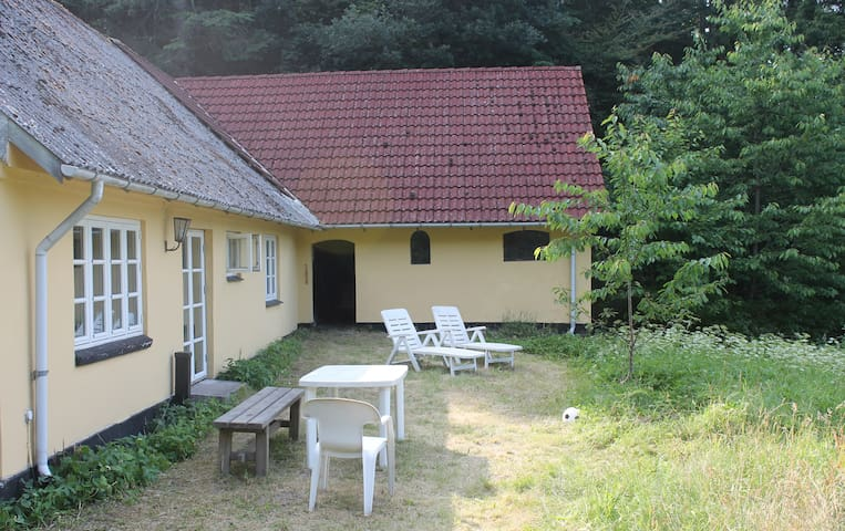 Unique cottage with access to Mossø - Skanderborg - Casa