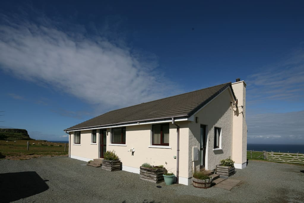 self catering cottage with sea and mountain views