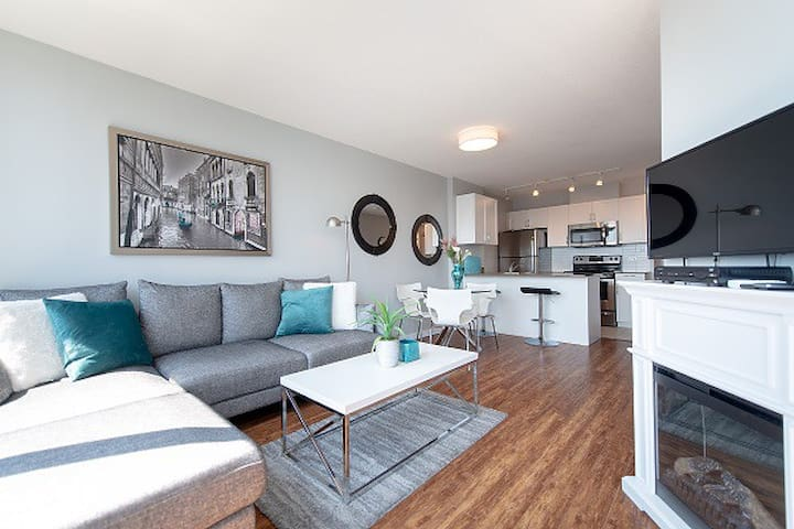 Downtown Living -  2 Bedroom with Parking (E2)
