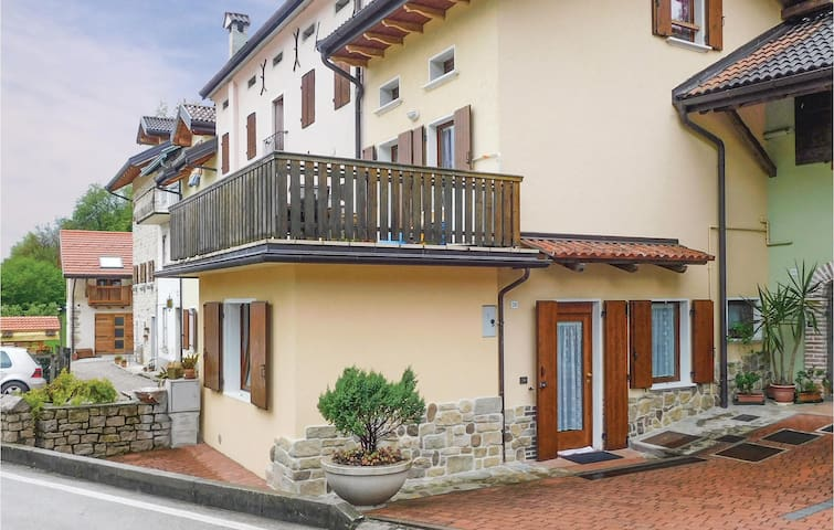 Semi-Detached with 1 bedroom on 36 m² in Chies d'Alpago BL