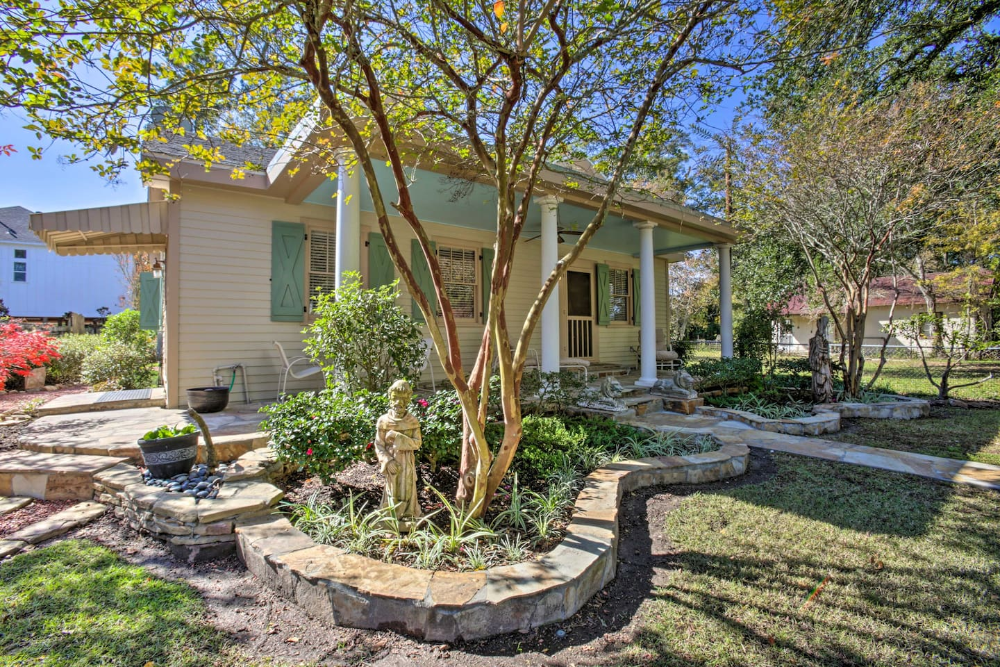 Experience historic beauty from this 3-bed, 2-bath Mandeville vacation rental!
