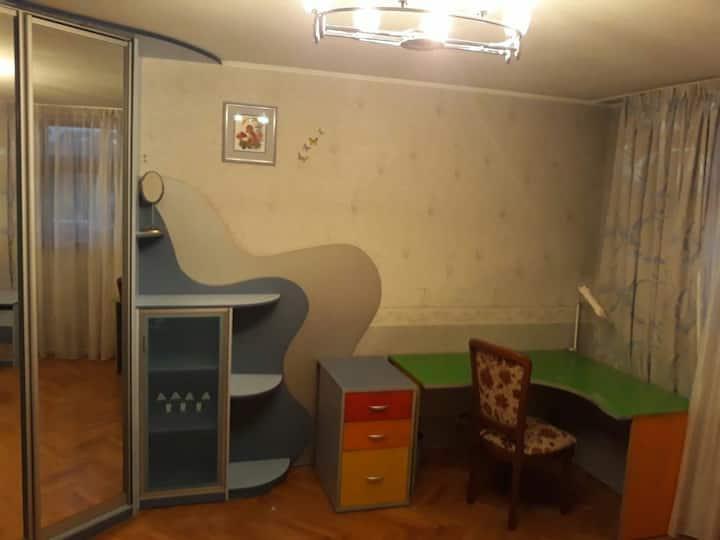 Уютная отдельная комната рядом с метро.