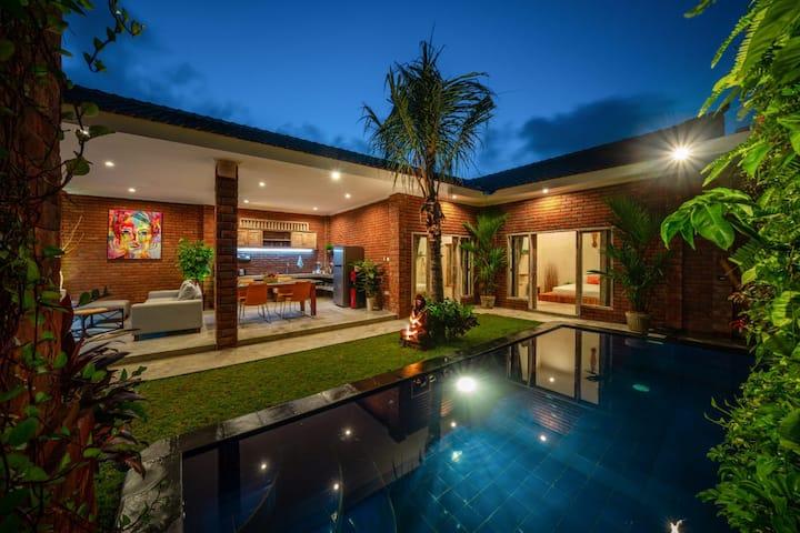 2 bedroom private villa in Canggu & Seminyak area