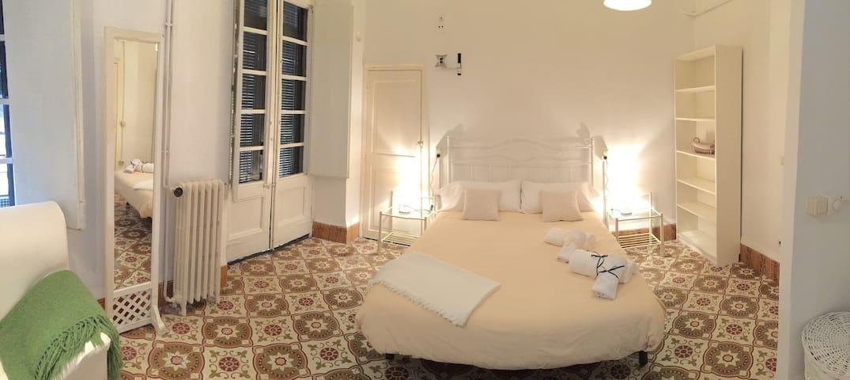 Apartamento con encanto en el centro de Figueres - Figueres - Flat