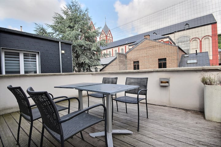 Beautiful studio with a deck | Tango