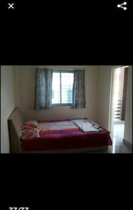 one bedroom apartment with 2balconies - Panchgani - 公寓