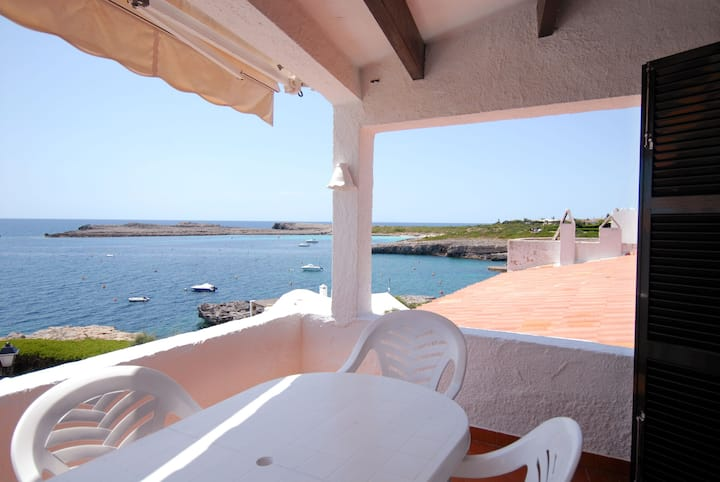 Beautiful Apartment with Wi-Fi, Terrace and Sea View
