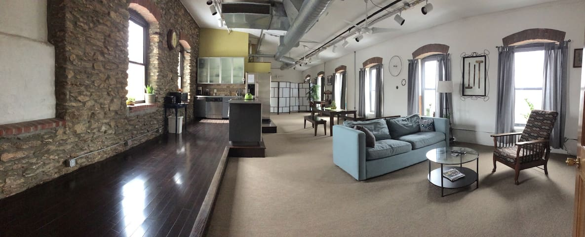 Beautiful loft space in renovated textile mill. - Philadelphia - Wohnung
