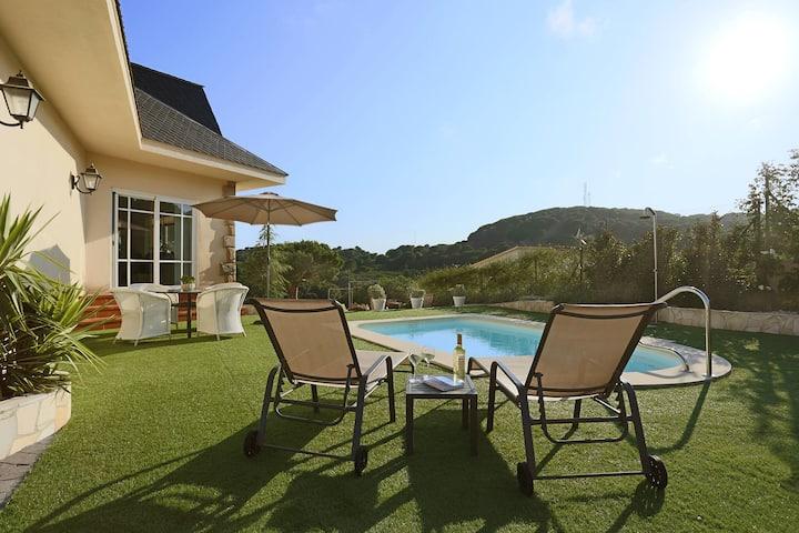 Chambre 2. Dans villa, piscine, Costa Brava.