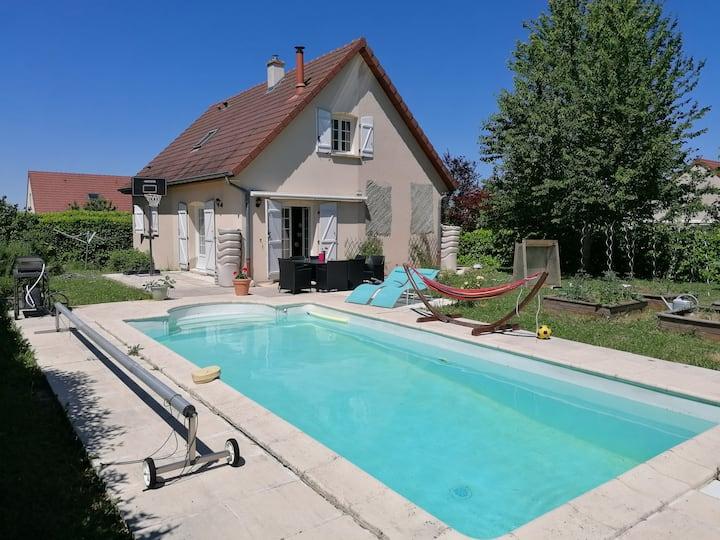 Maison avec Piscine à 10 min du centre Dijon