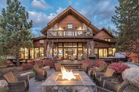 Luxury Truckee Home with Private Hot Tub