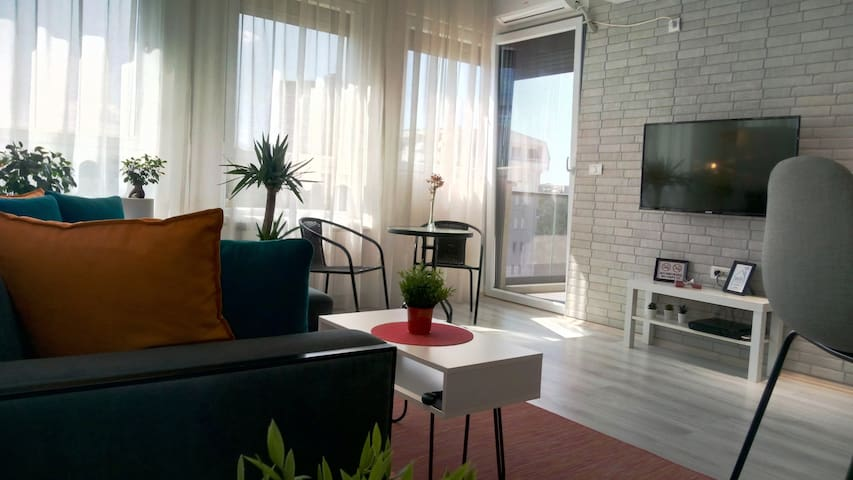 Smart TV✰ Balcony✰Full Kitchen✰Long stay discount✰