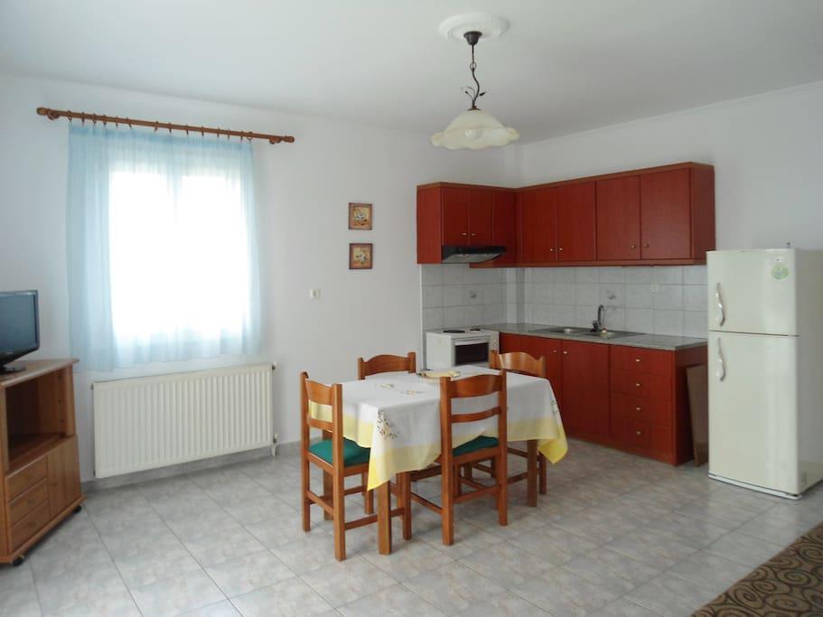 Σαλόνι - Κουζίνα ενιαίος χώρος