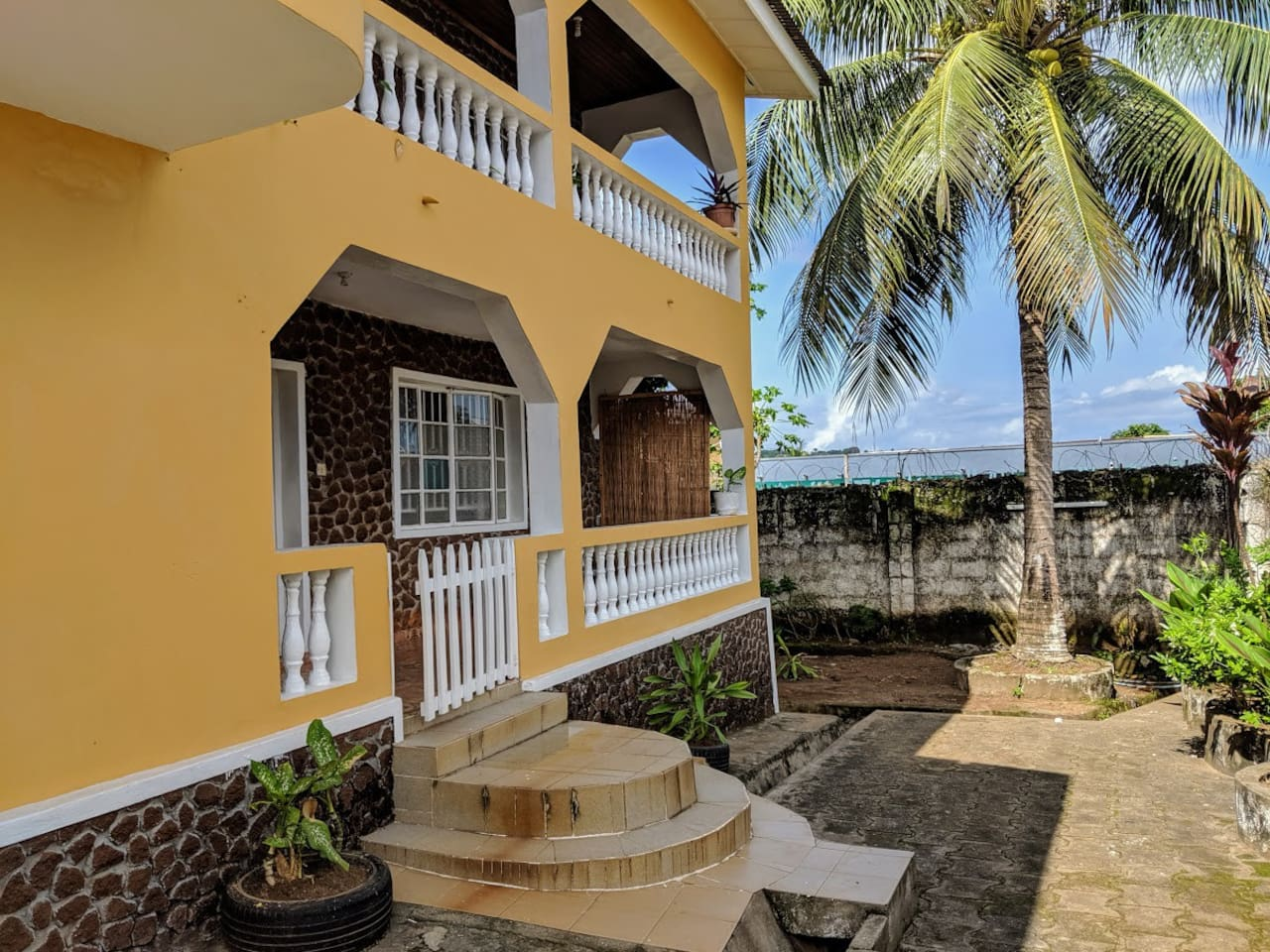 Our home is located in quiet area in central west Freetown where most restaurants, bars, and NGOs are located. We are also just 5-10 min away from the beach :)