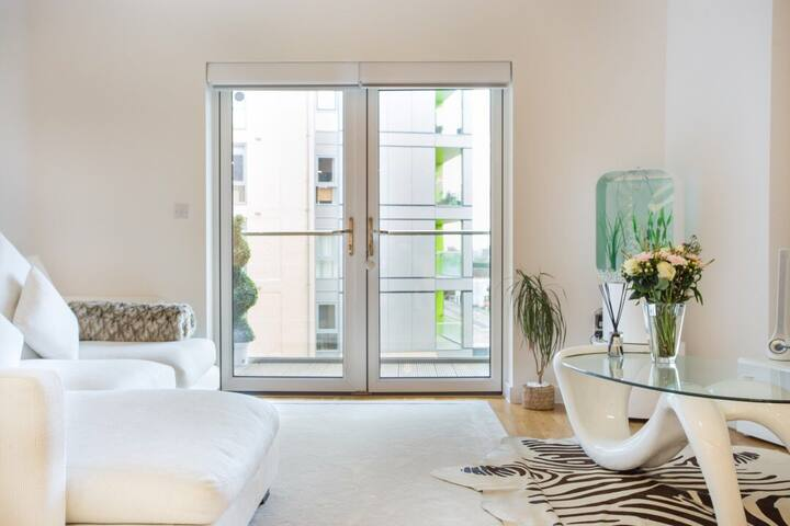 LUXURY, MODERN & CLEAN DOUBLE BEDROOM