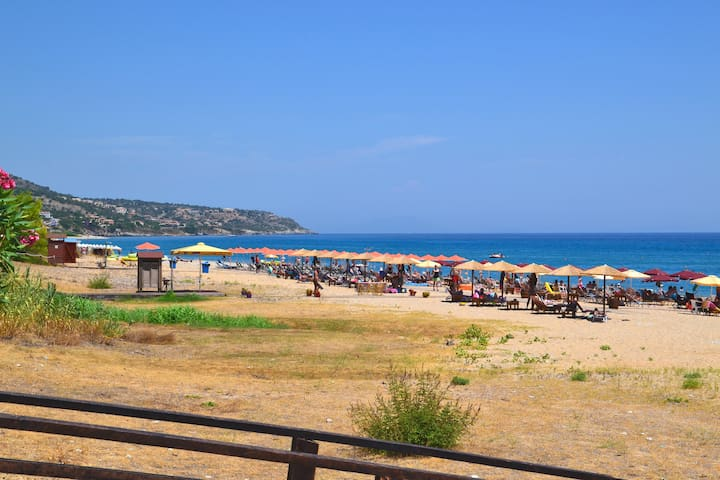 Skala 2 bedroom apartment, pool,lawn with sea view