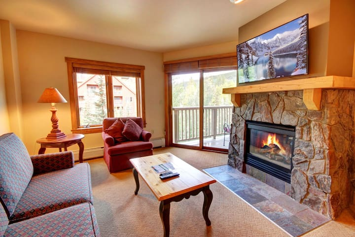 Cozy One Bedroom in the Heart of River Run!  Get to the Slopes in Minutes!