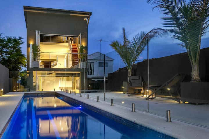 Architect Designed Luxury Residence - Russell Lea - Casa