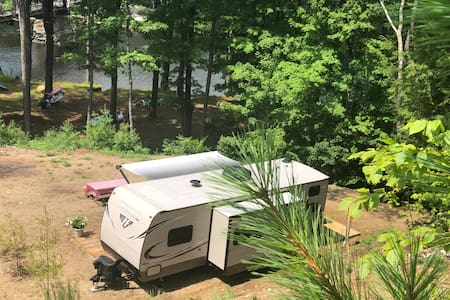 Glamping on the Hudson River, Lake George NY area
