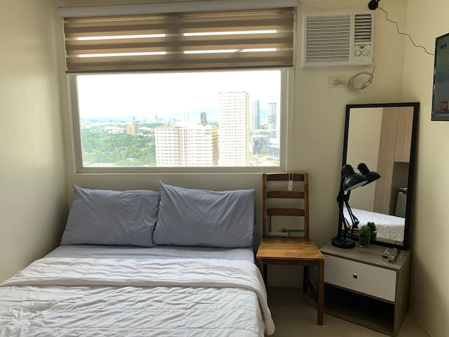 Luxe New Studio in EDSA Shaw w/ free WIFI, Netflix