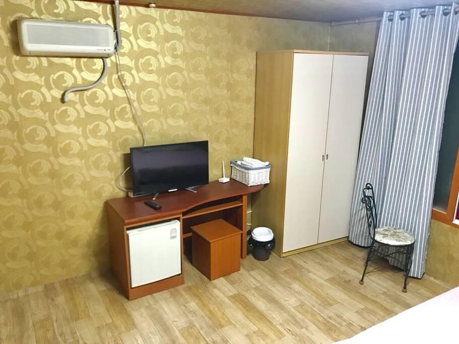 TV, ,냉장고, 와이파이, 수건, 드라이기, 에어컨등
