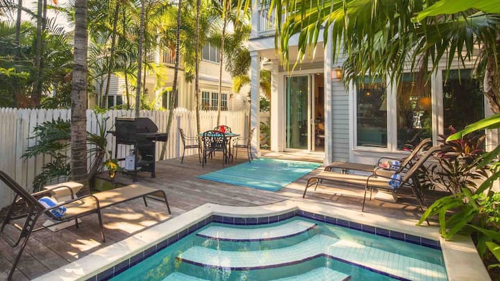 **THE SMILING IBIS @ OLD TOWN** Home & Pool Near Duval + LAST KEY SERVICES...
