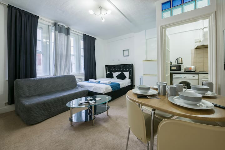 ★ Stylish & Central Family Studio Marble Arch ★