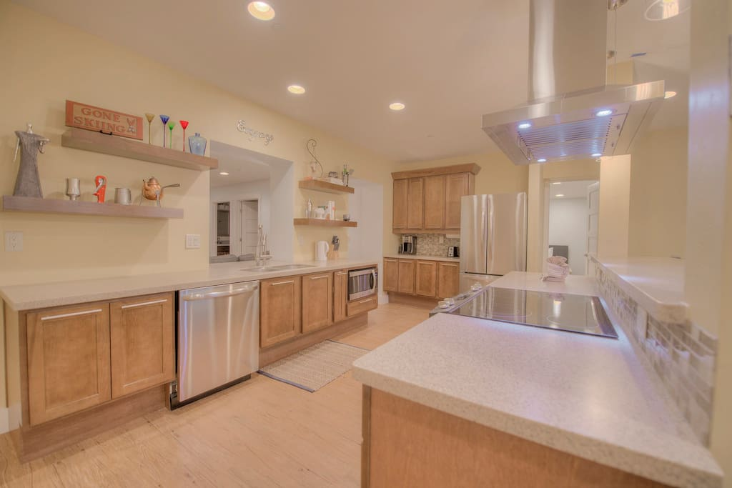 Gourmet large kitchen to entertain