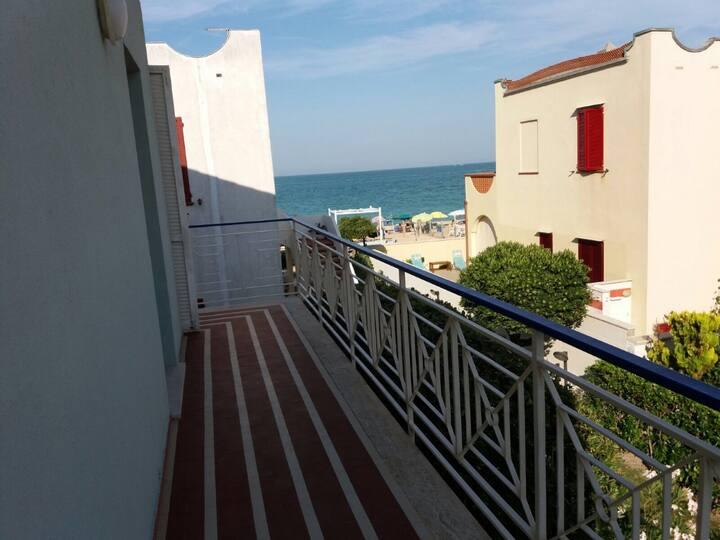La casa del relax a due passi dal mare.