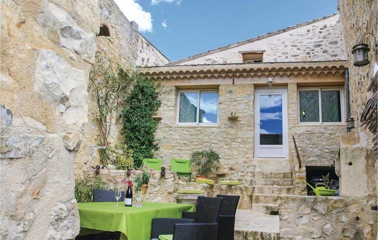 Semi-Detached with 2 bedrooms on 103 m² in Sauzet