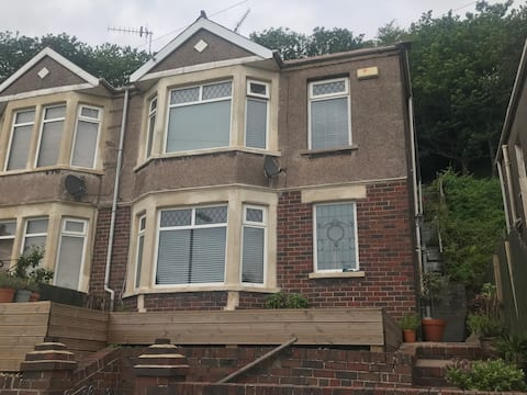 House Share. Large double bedroom (3 month rental+