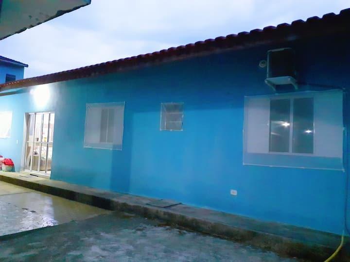 Edícula no centro de São Sebastião