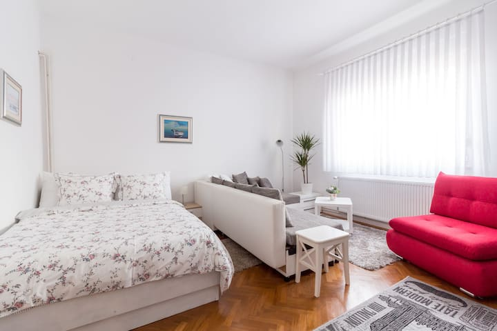 Studio apartment Zagreb Lavanda II
