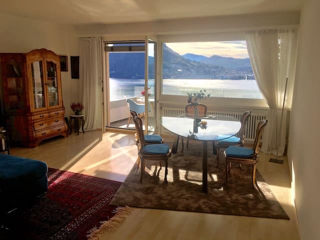 Stilvolles Ambiente mit atemberaubendem Blick