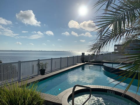 Bayview Casita~piscine~jacuzzi~Près de la salle à manger et de la plage.