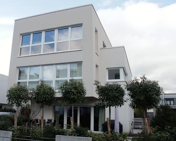 135 qm gro e 3 zimmer penthouse wohnung wohnungen zur miete in mainz rheinland pfalz deutschland. Black Bedroom Furniture Sets. Home Design Ideas