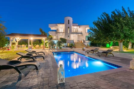 Villa Giovanni close to sandy beach Faliraki - Faliraki - Vila