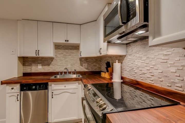 Fully equipped chef's kitchen can easily accommodate any cooking during your stay!