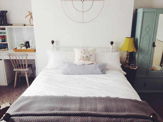 Central, characterful, DBL room - Bristol - Appartement