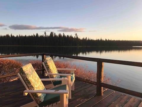 Cariboo Charm ~ Green Lake (Lakefront) Getaway