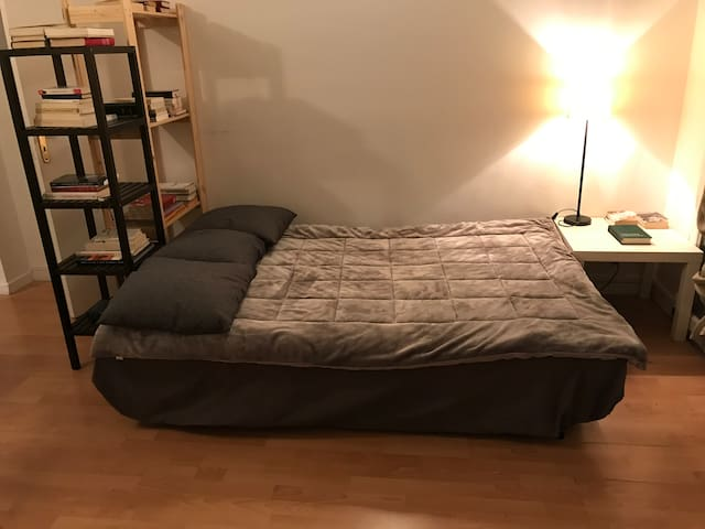 Sofa bed close to Orly Airport - For travelers