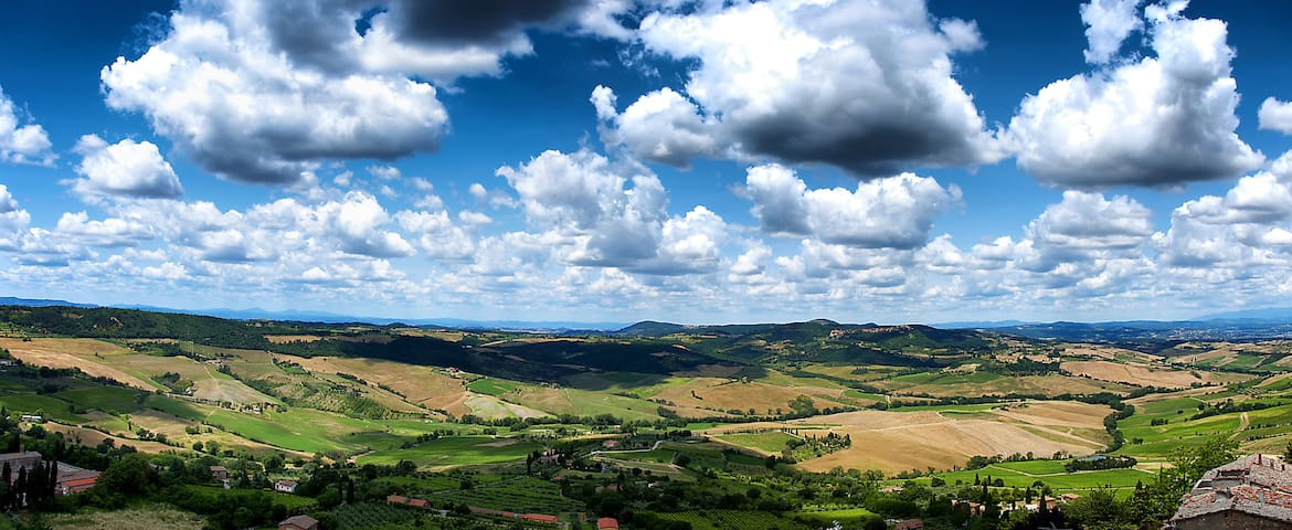 FOOD, WINE, TRADITION: TUSCANY